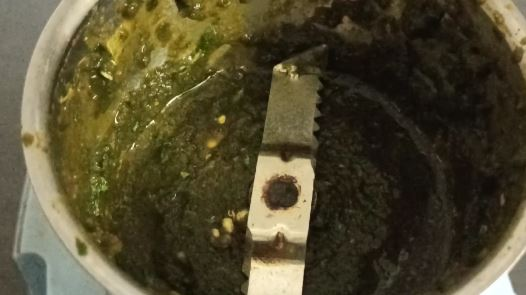 Green chutney is ready to serve