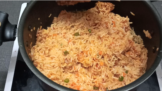 chicken fried rice schezwan