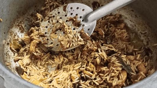 how to cook mushroom biryani