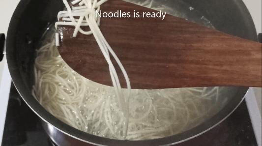how to make schezwan chicken noodles