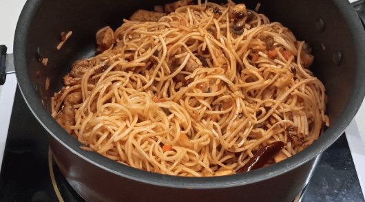 Schezwan noodles at home