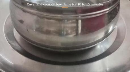 cooking chicken biryani